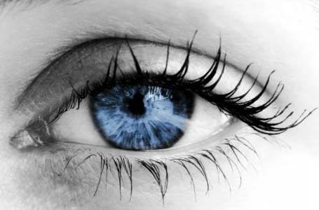 красивому глазу больно