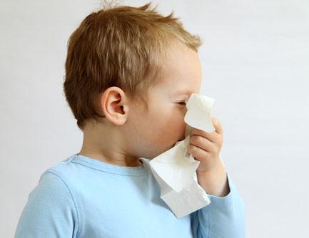 Как вылечить детский насморк