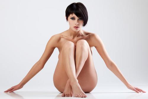 девушка с подтянутой кожей тела