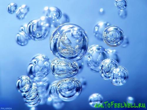 пузыри на голубом фоне